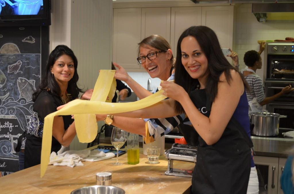 Blogger 19 cooking class, Manvi Drona, Whitney Porter, Sarah Sarna