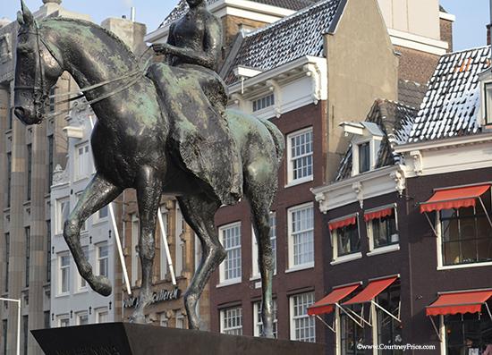 Amsterdam, equestrian statue