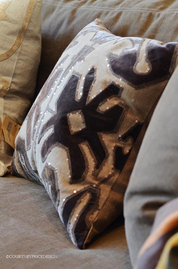 Decorative Pillows, throw pillows, custom pillows, accessories, home furnishings, interior design, decorating, dallas