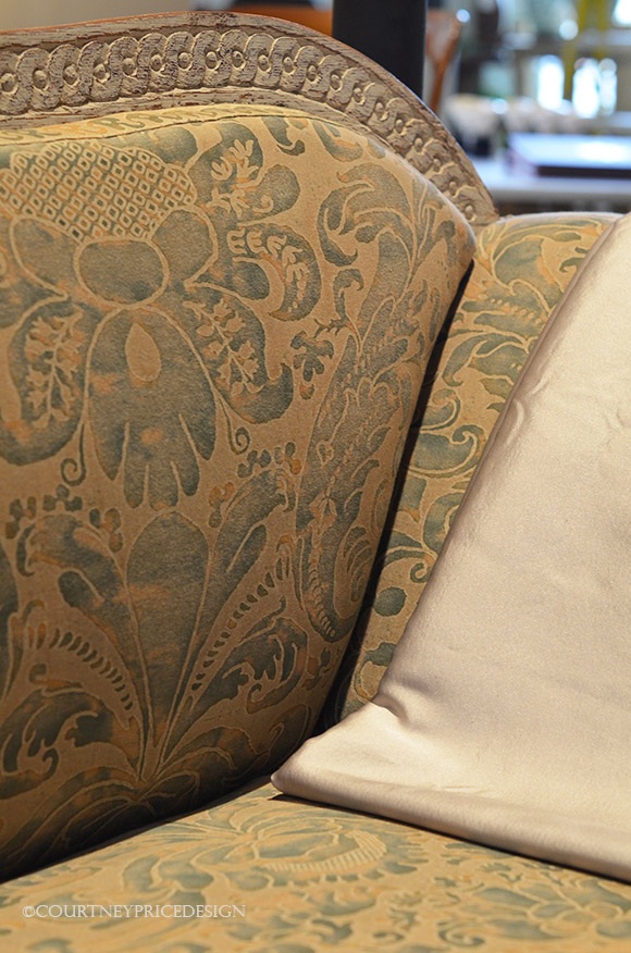 Fortuny Sofa