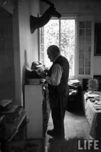 hemingway-standing-desk-