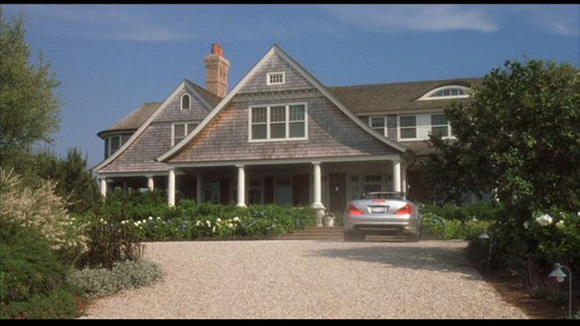 somethings-gotta-give-hamptons-beach-house-exterior-611x3431
