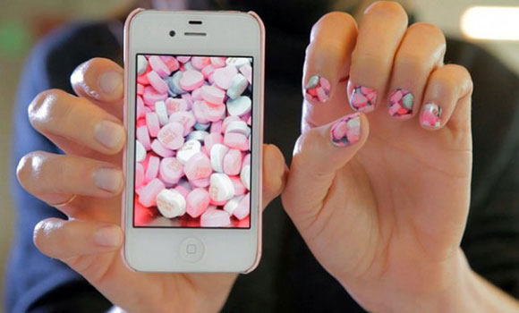 Your Instagram on your nails! on www.CourtneyPrice.com girltech