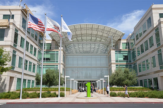 Apple HQ, Silicon Valley tour- www.CourtneyPrice.com #girlTECH