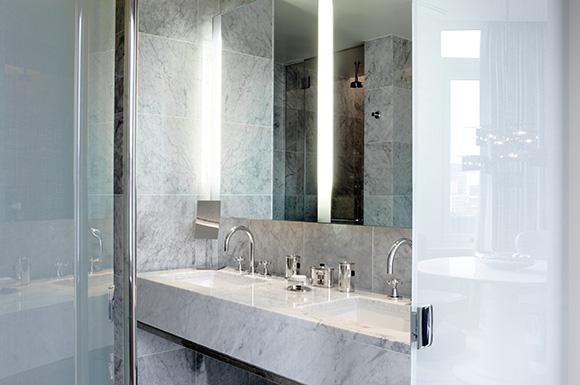 A good NY Hotel Bathroom - The London Hotel NYC, on www.CourtneyPrice.com