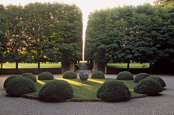 Anouska Hempel also genius landscape design- see more in and about this book at www.CourtneyPrice.com