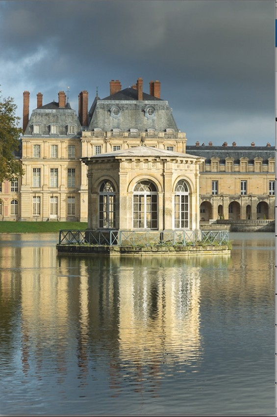 A Day at Chateau de Fontainebleau offers a rare view into areas of the château that guests could not personally access. Review on www.CourtneyPrice.com http://wp.me/p2e5e8-4Ya