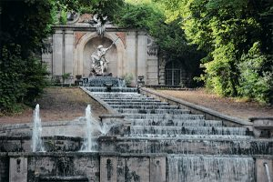 fountains and gardens, french gardens, le notre gardens, Chateau de Villette as seen on www.CourtneyPrice.com