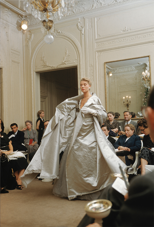 Christian Dior Couture House at 30, Avenue Montaigne. www.CourtneyPrice.com